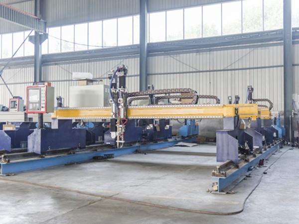Métal populaire de traitement des outils de précision cnc cutter au plasma coupé 60