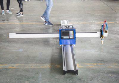 CNC or Not et ingénieurs disponibles pour entretenir des machines à l'étranger. Service après-vente fourni. ROUTEUR CNC